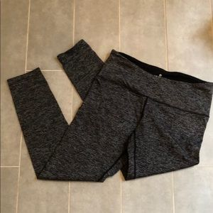 Heather grey leggings with zip pocket - small